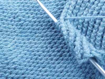Guide To Tunisian Crochet Hooks