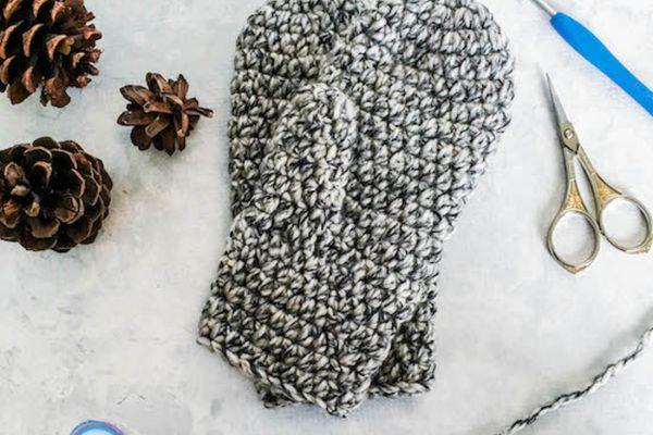 Winter Crochet Mittens Free Pattern