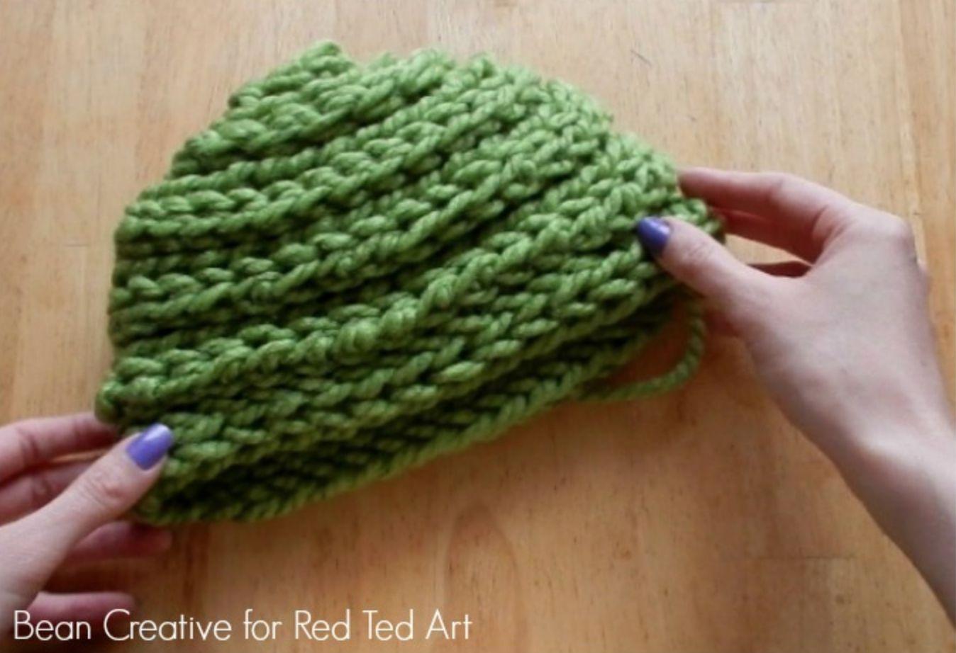 Finger Knitting Beanie Tutorial