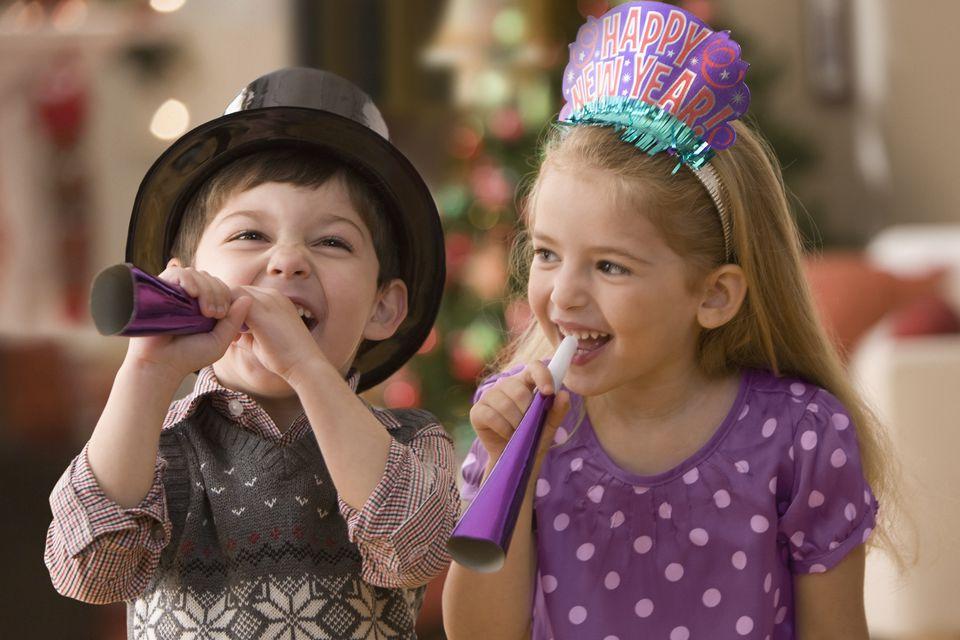 kids celebrating new years