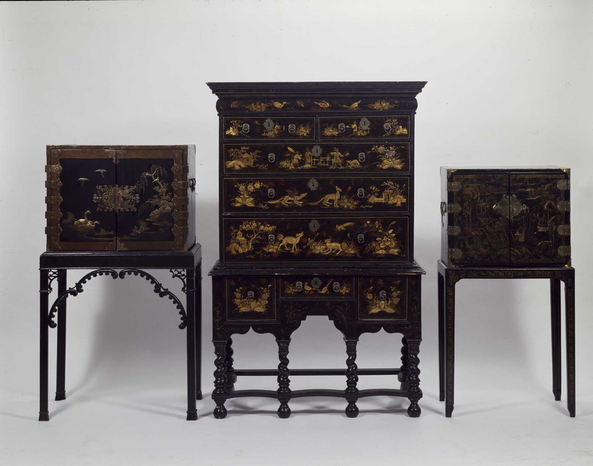 Credenza Definition In English : Defining confusing antique furniture terms and names