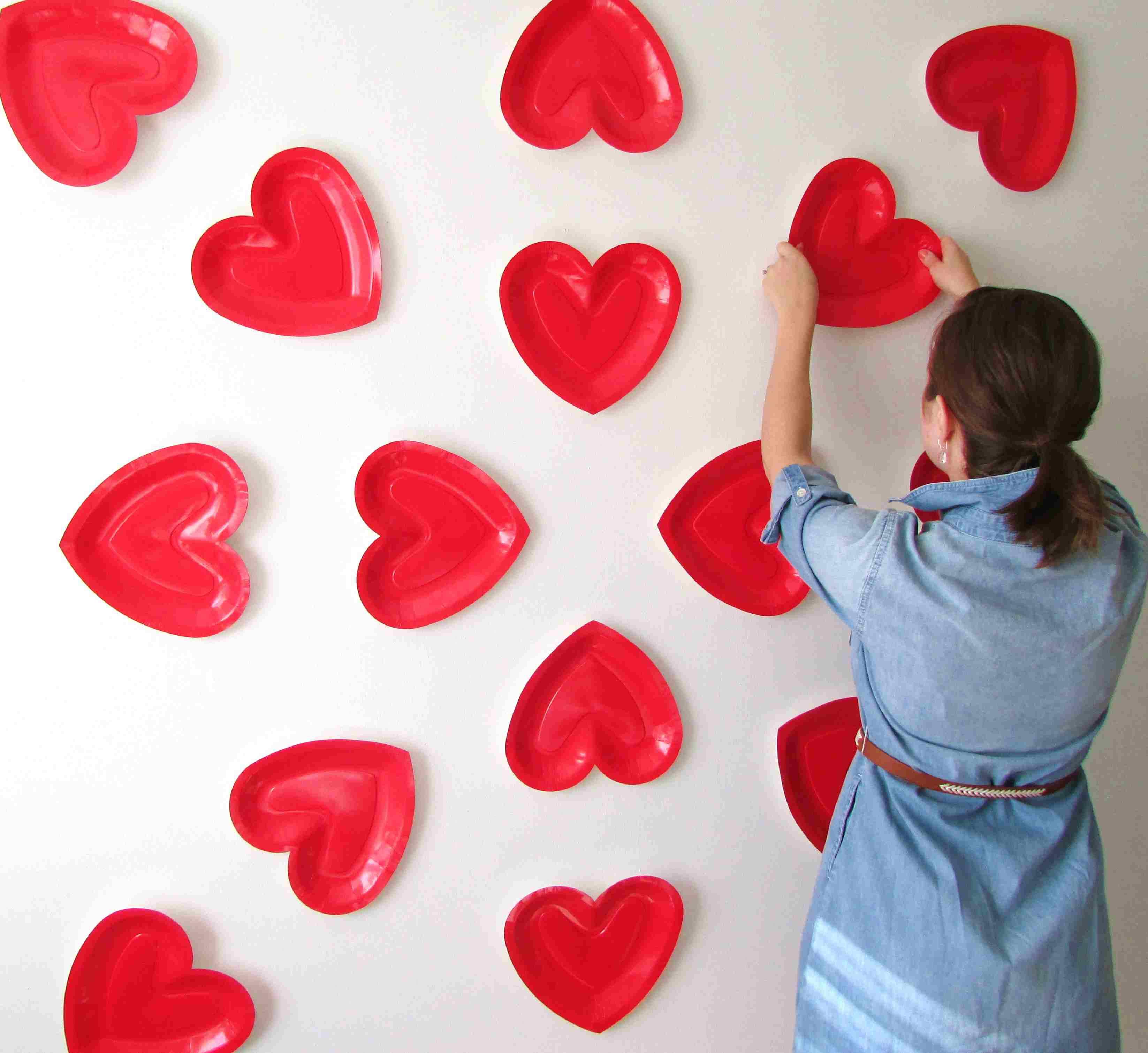 DIY Paper Plate Heart Wall Decor
