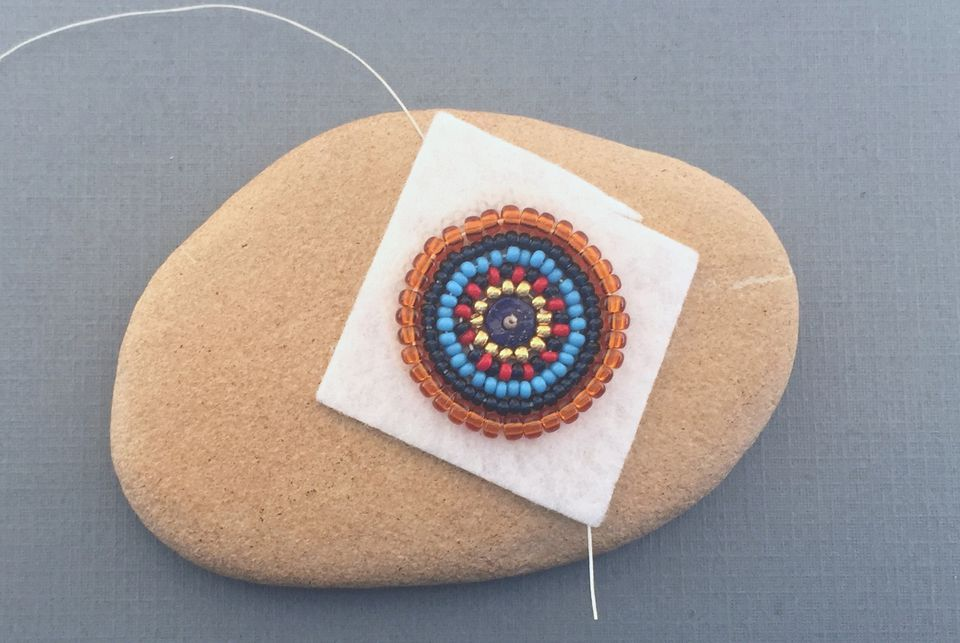 Backstitch bead embroidery tutorial