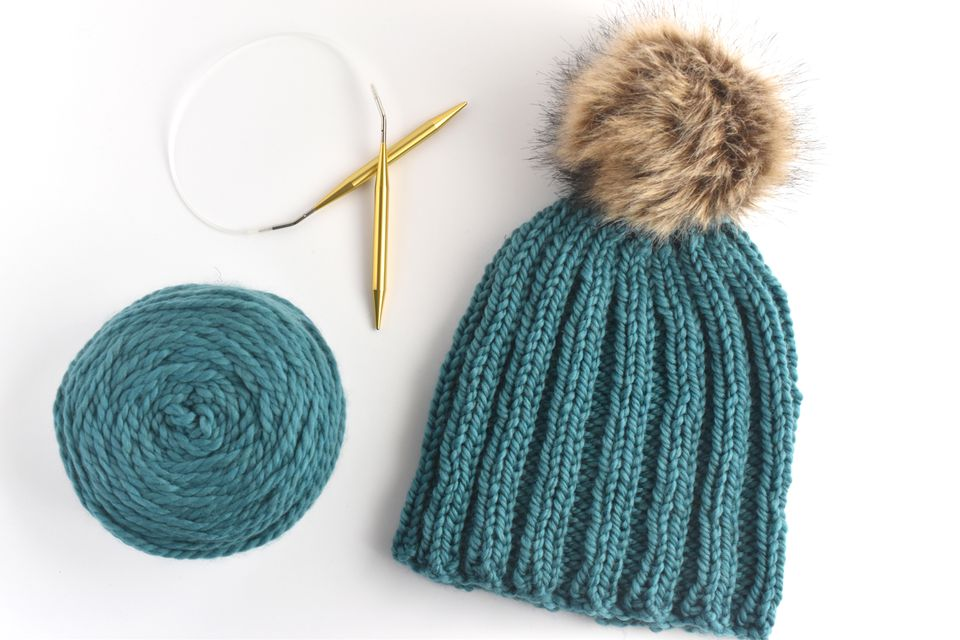 Hot to Knit a Beanie In the Round With Bulky Yarn