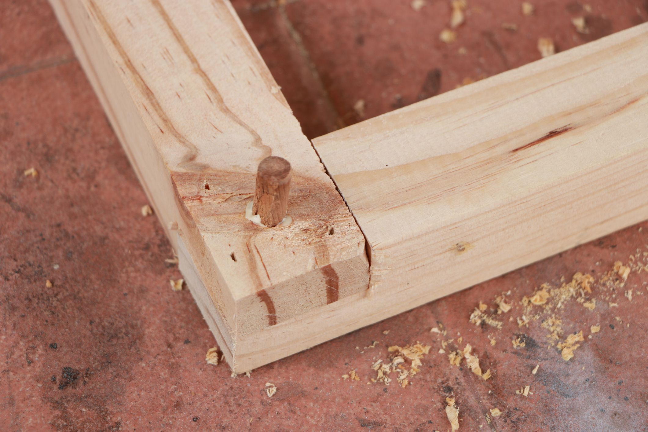 how to connect wood using dowel joinery