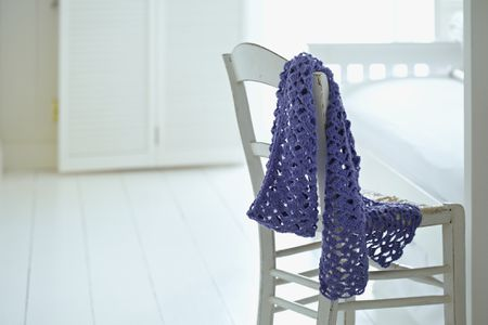 Learn to Crochet a Two Color Shell Scarf Pattern
