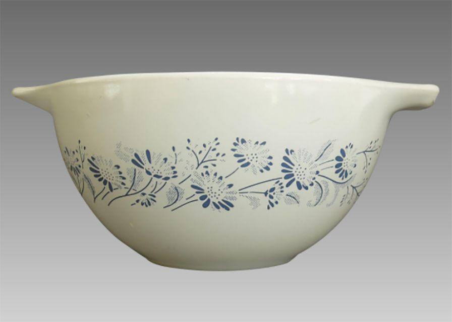 Pyrex Colonial Mist Bowl