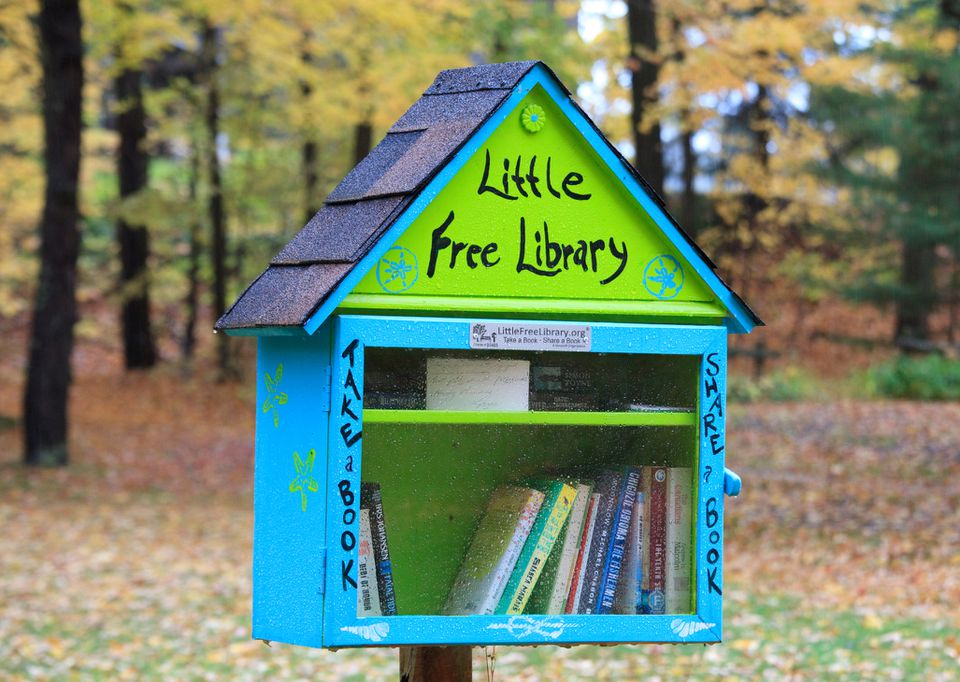 Free Outdoor Library