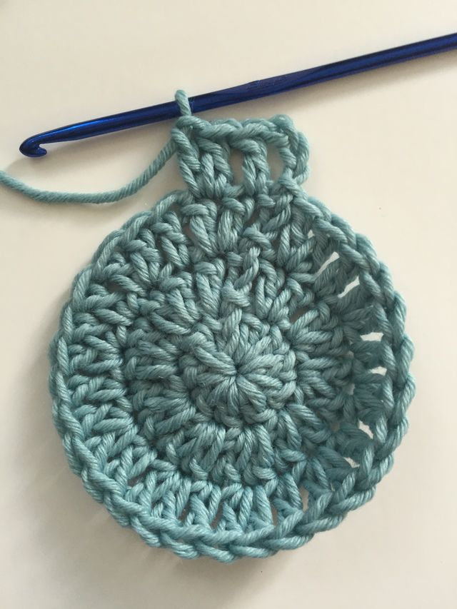 Double Crochet Circle, Round 4