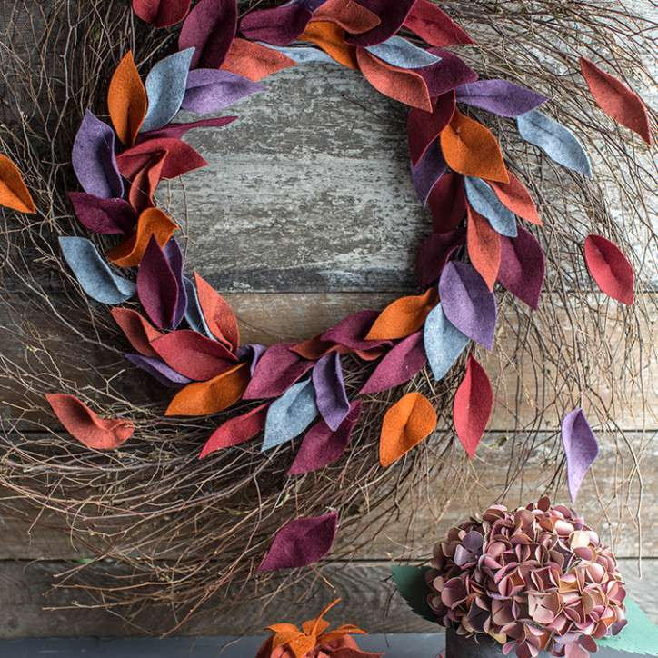 DIY Fall Wreath with Felt Leaves