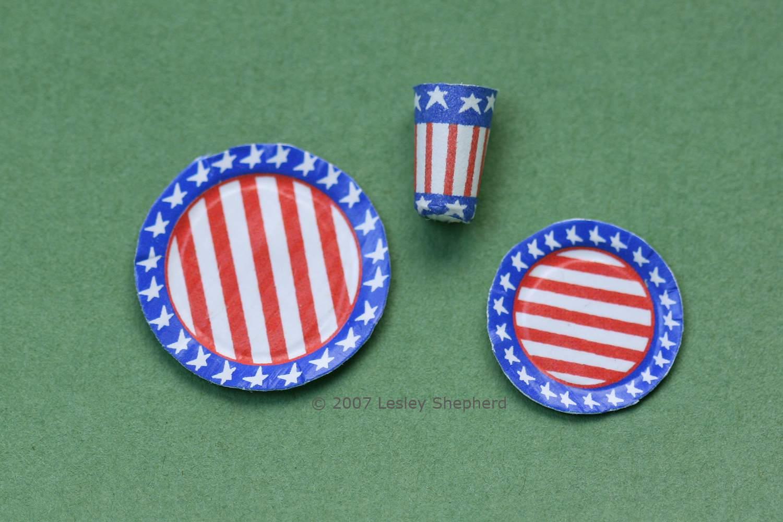 dollhouse paper plates American theme