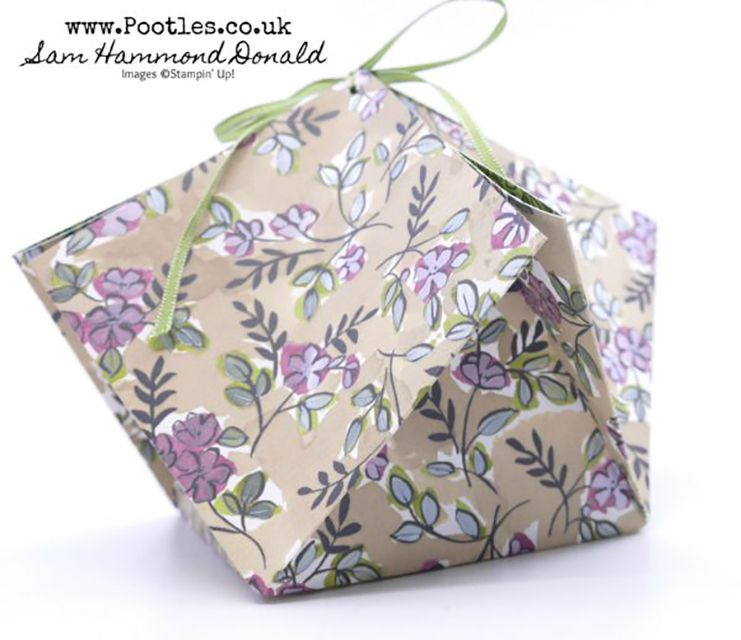 how to make an origami paper gift bag