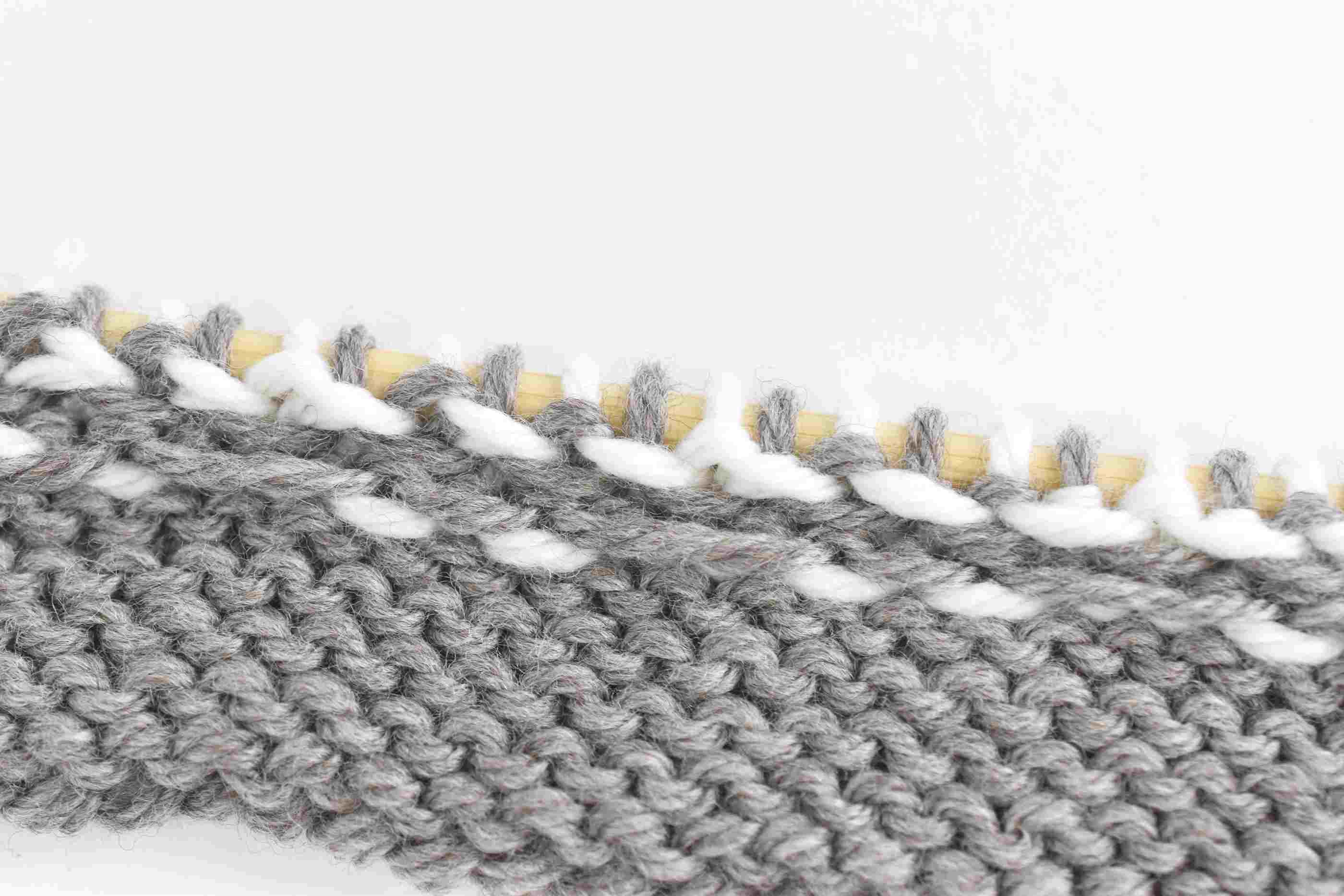Catch Floats When Needed to Secure the Yarn