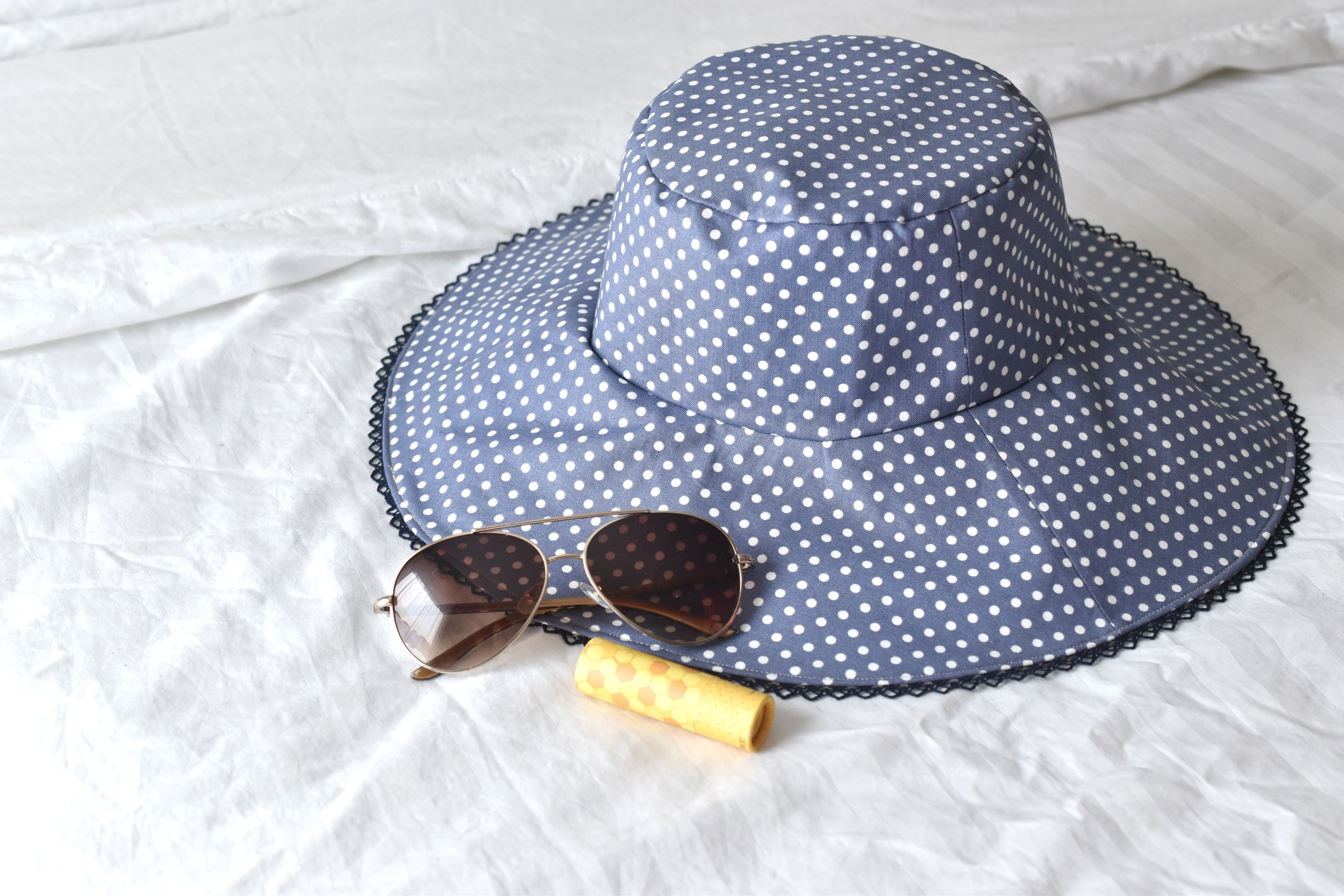 8e93dda571771 How to Sew a Reversible Sun Hat