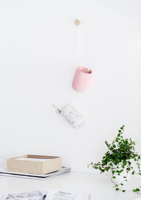 42 diys for a beautiful organized office diy hanging desk organiser solutioingenieria Choice Image