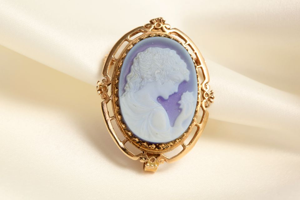 How To Identify Real Cameo Jewelry