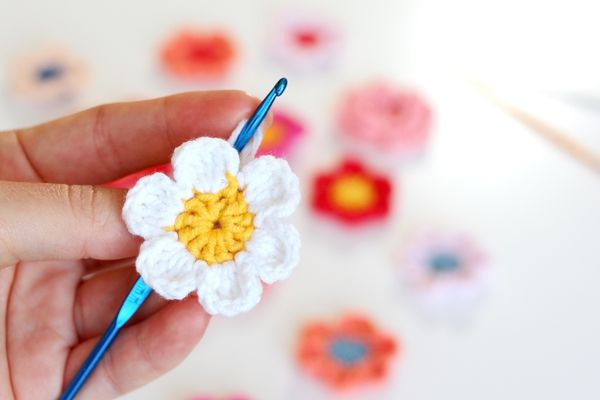 Crocheted flower made of cotton yarn.