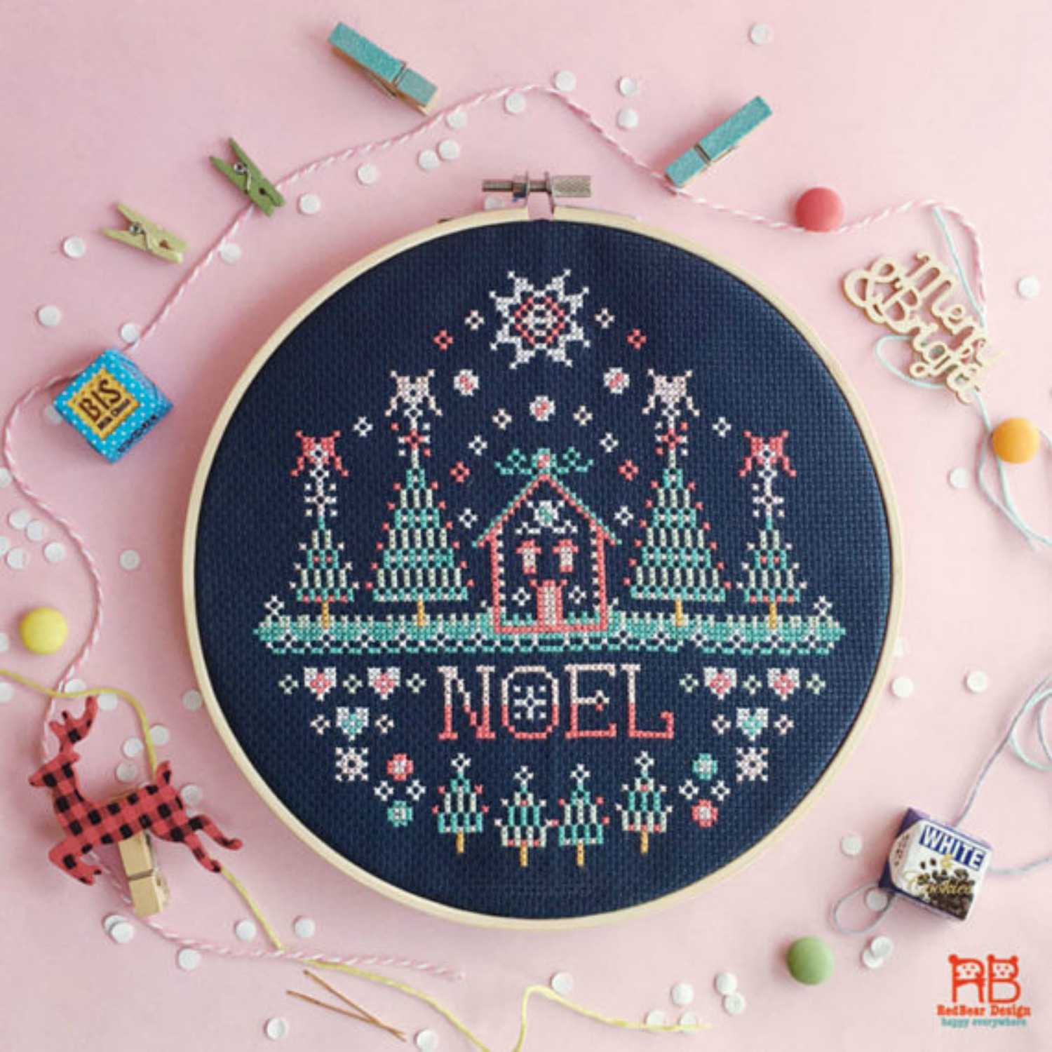 Free Printable Christmas Ornament Cross Stitch Patterns.9 Christmas Themed Cross Stitch Patterns