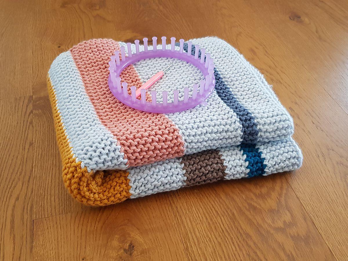 Knitting Using A Loom