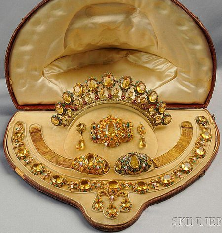 Parure Definition and Uses in Jewelry Making