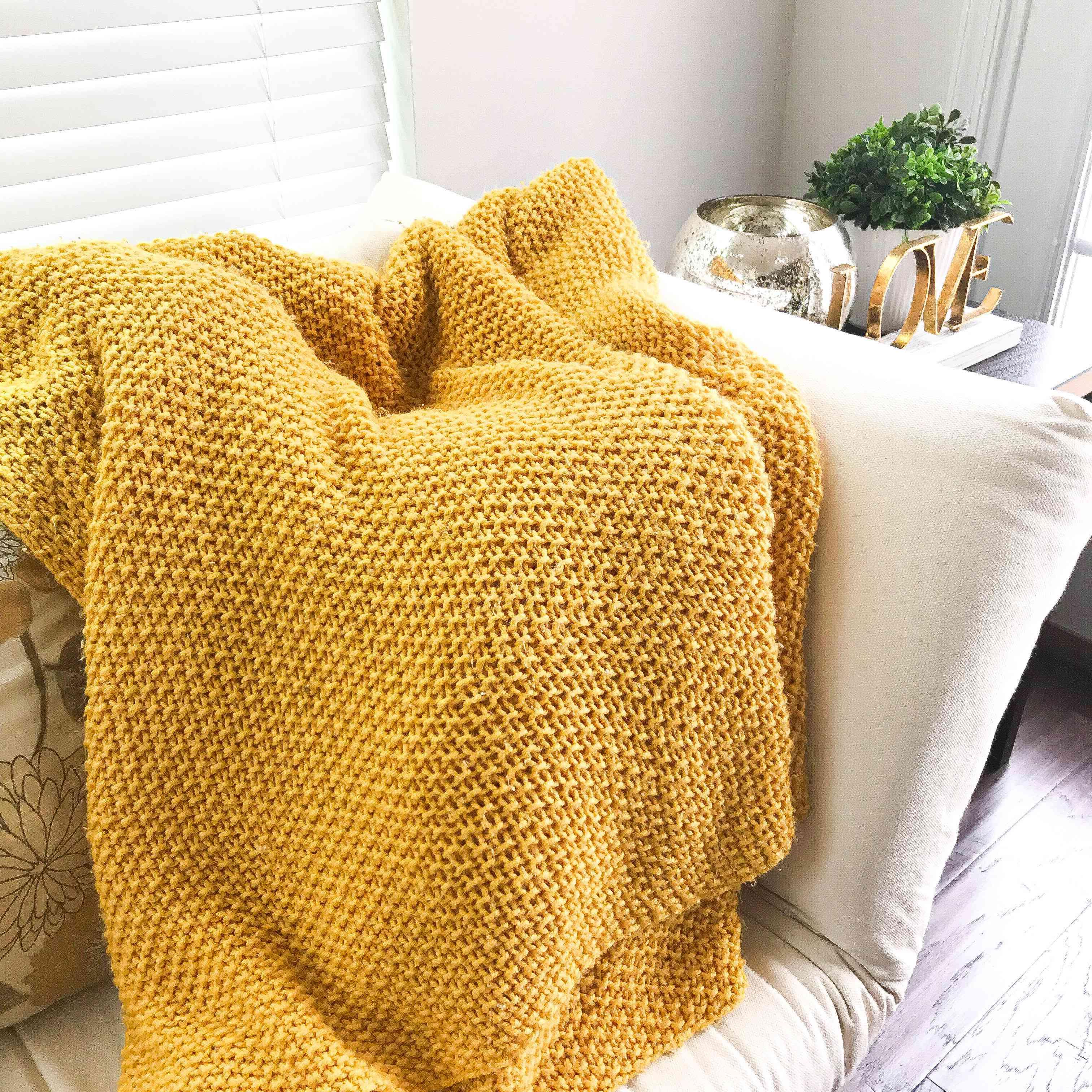 Cuddle Up Throw Knitting Pattern