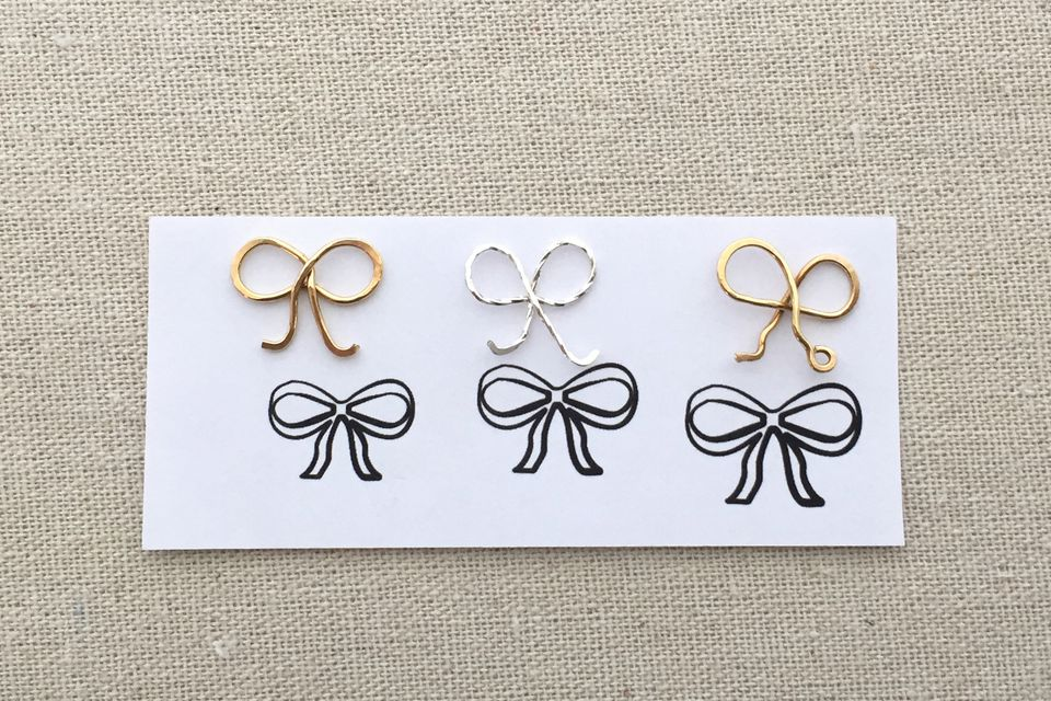 Diy Wire Gift Bow Necklace