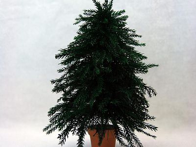 make a realistic miniature christmas tree