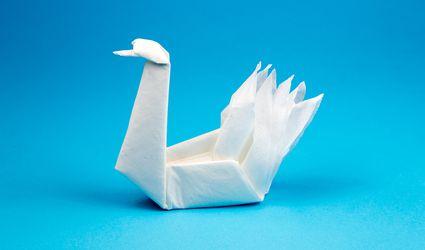 origami napkin swan