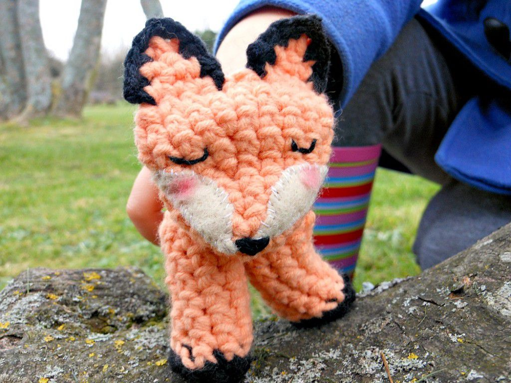 Ravelry: Elephant Finger Puppet pattern by Frankie Brown | 768x1024