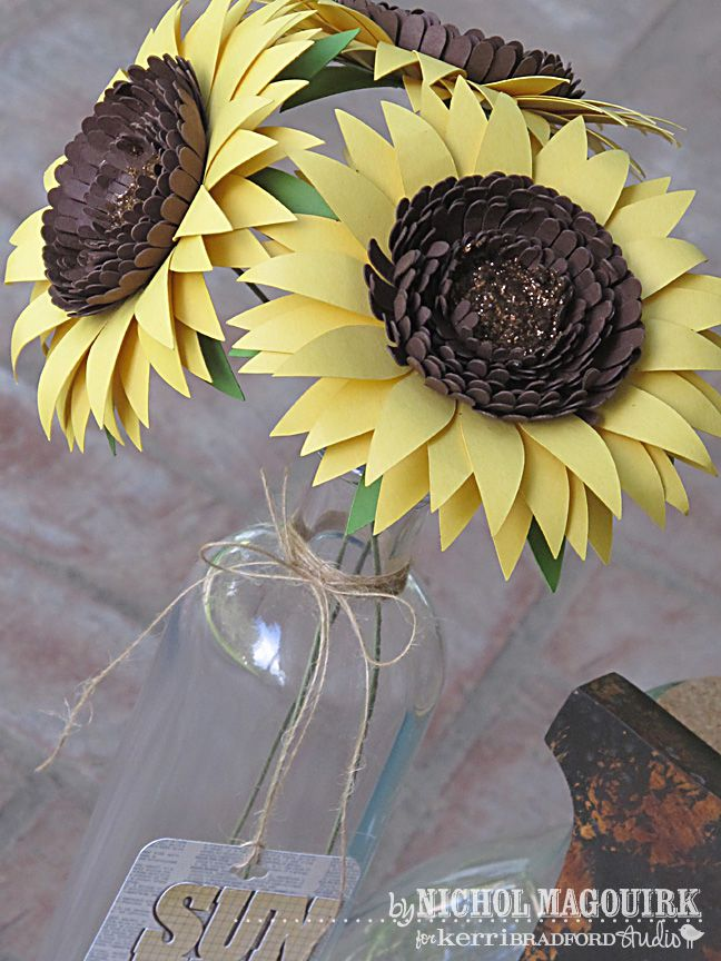 28 Fun and Easy-to-Make Paper Flower Projects You Can Make