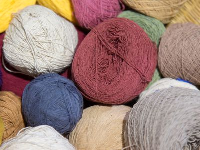 Knitting With Bulky Yarn: Pros and Cons