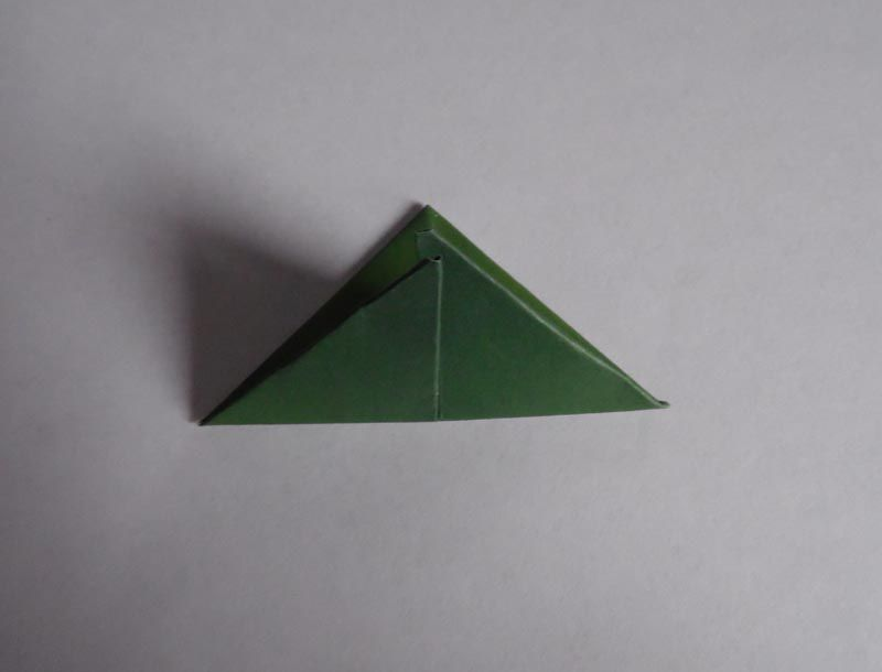 A triangle-folded origami paper