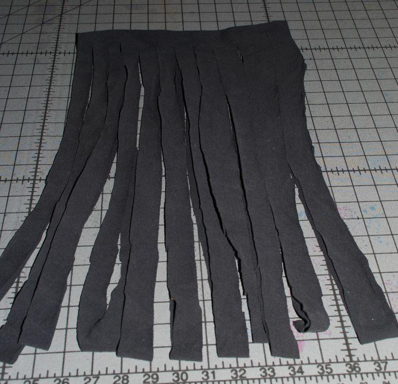 cut strips t-shirt yarn