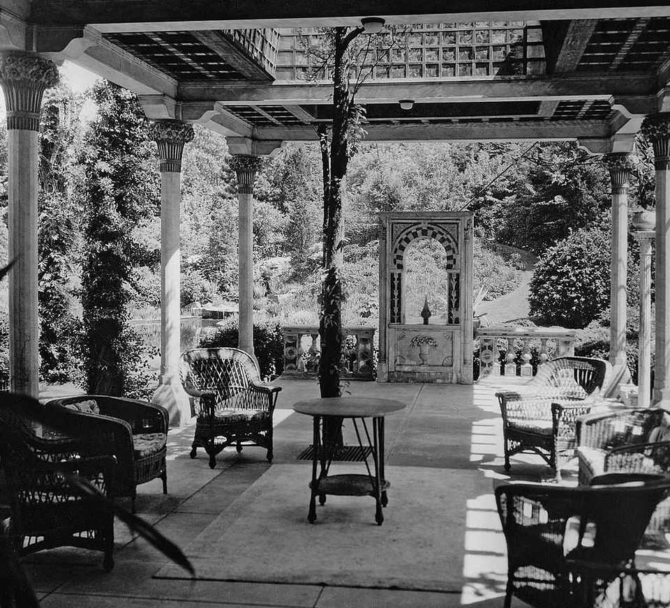 Original 1920s Photograph of the Daffodil Terrace as part of Laurelton Hall