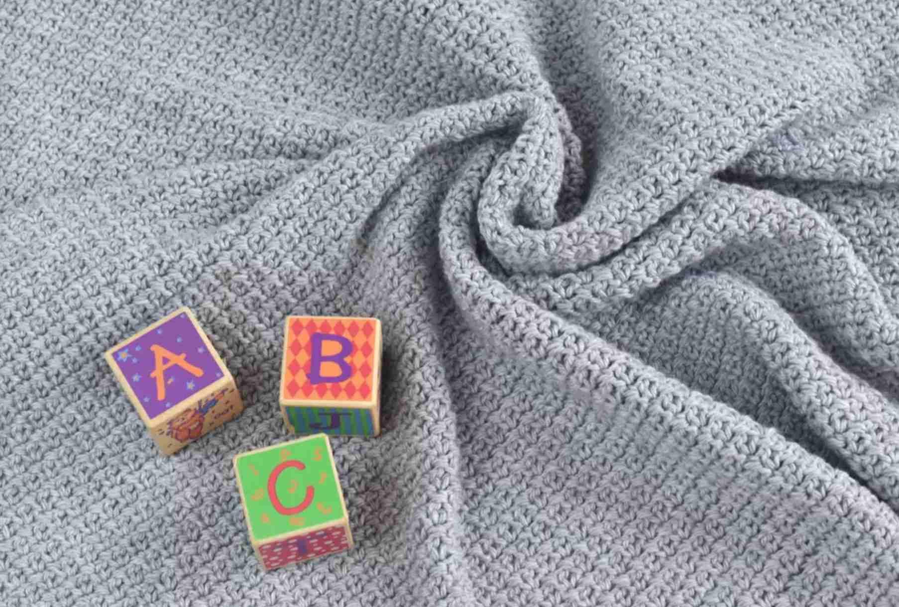 Easy free crochet baby blanket pattern