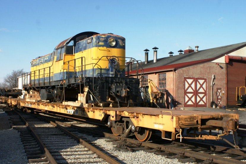 RSD-1 Locomotive on Flatcar