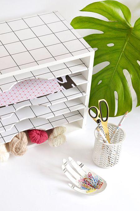 42 diys for a beautiful organized office diy literature organizer makeover solutioingenieria Choice Image