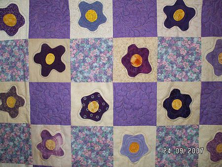 Pictures of applique quilts