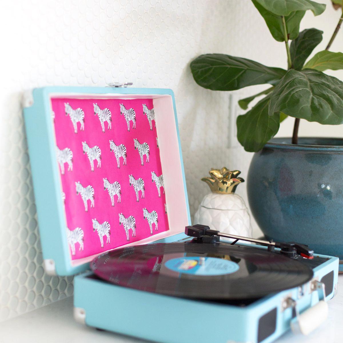 DIY Stylish Record Player
