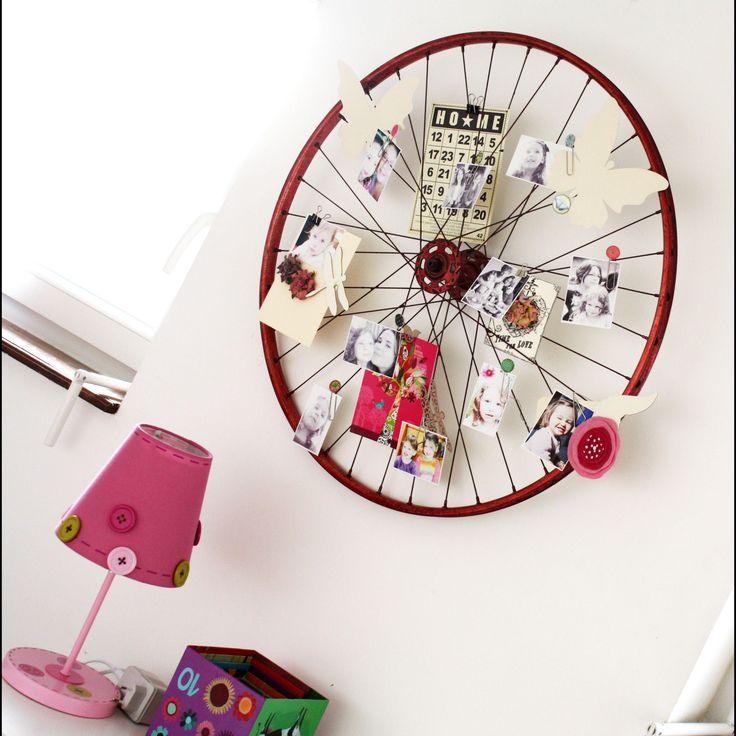bike wheel memo board