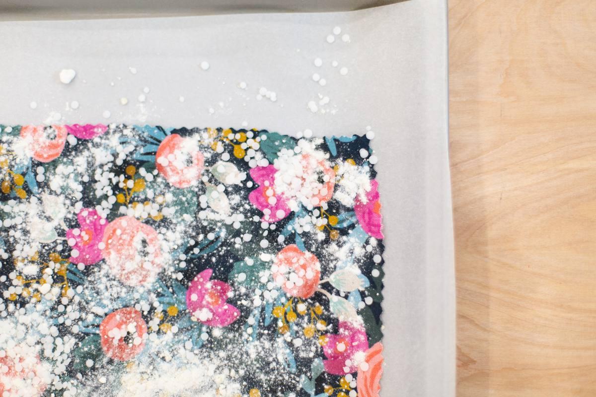 How to make reusable beeswax food wraps