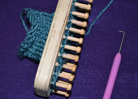 Loom Knitting Without Needles