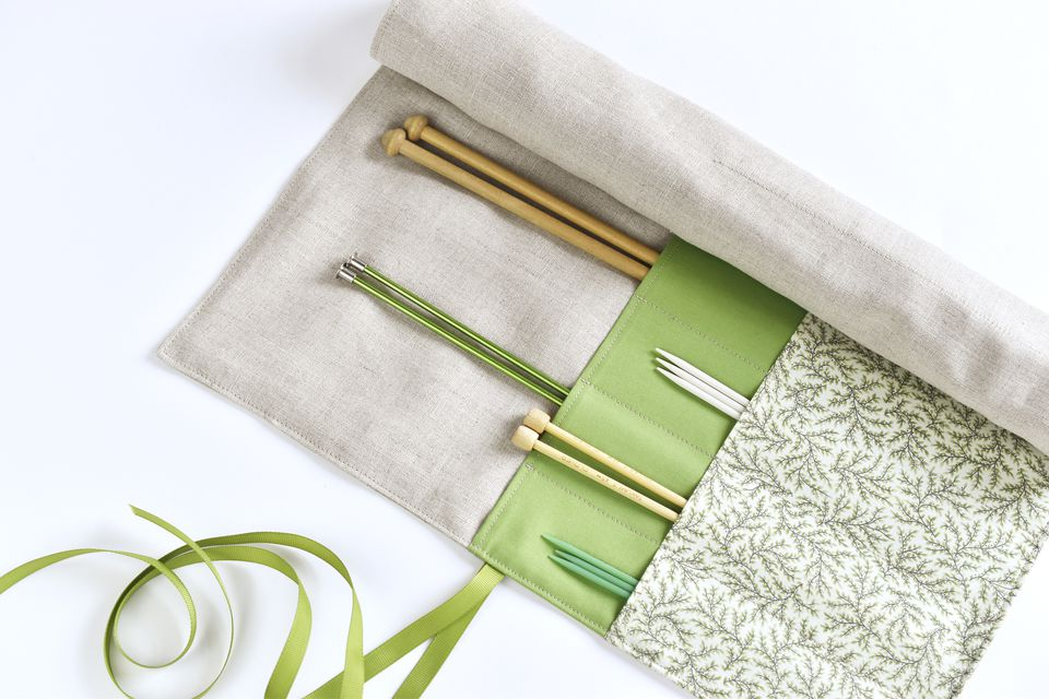 DIY roll-up knitting needle case