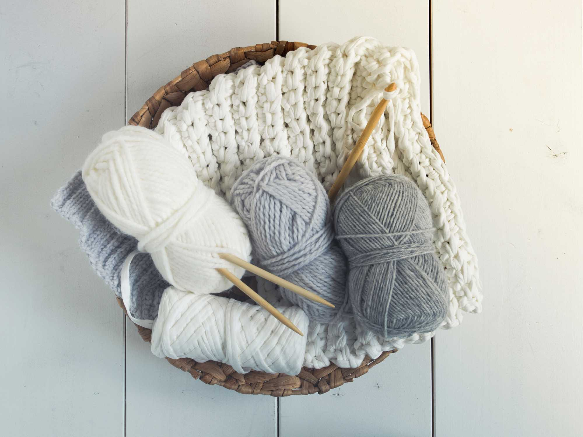 10 Great Gifts to Give a Knitter