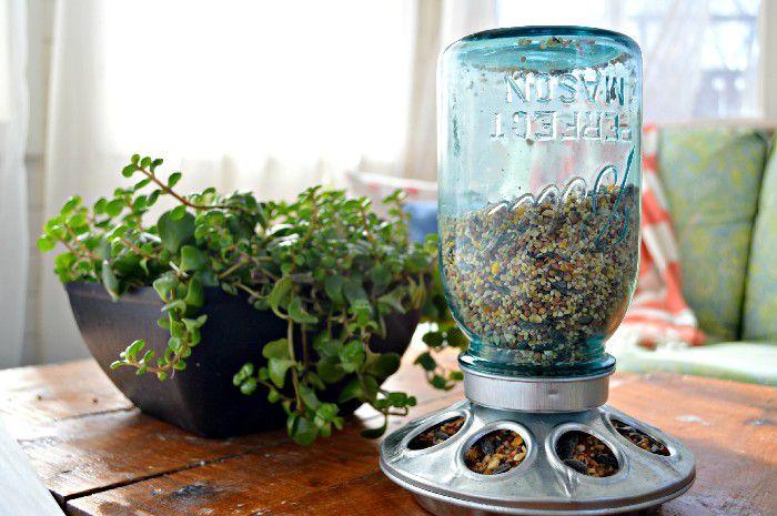 11 Mason Jar DIYs for Spring