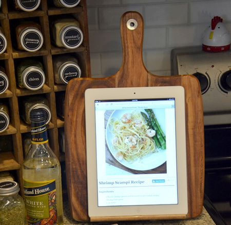 100 great ideas for inexpensive homemade gifts diy ipad holder for cooking solutioingenieria Choice Image