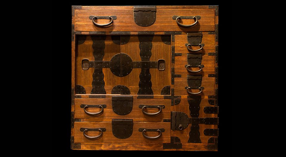 Japanese merchant chest, Meiji period (1868-1912).