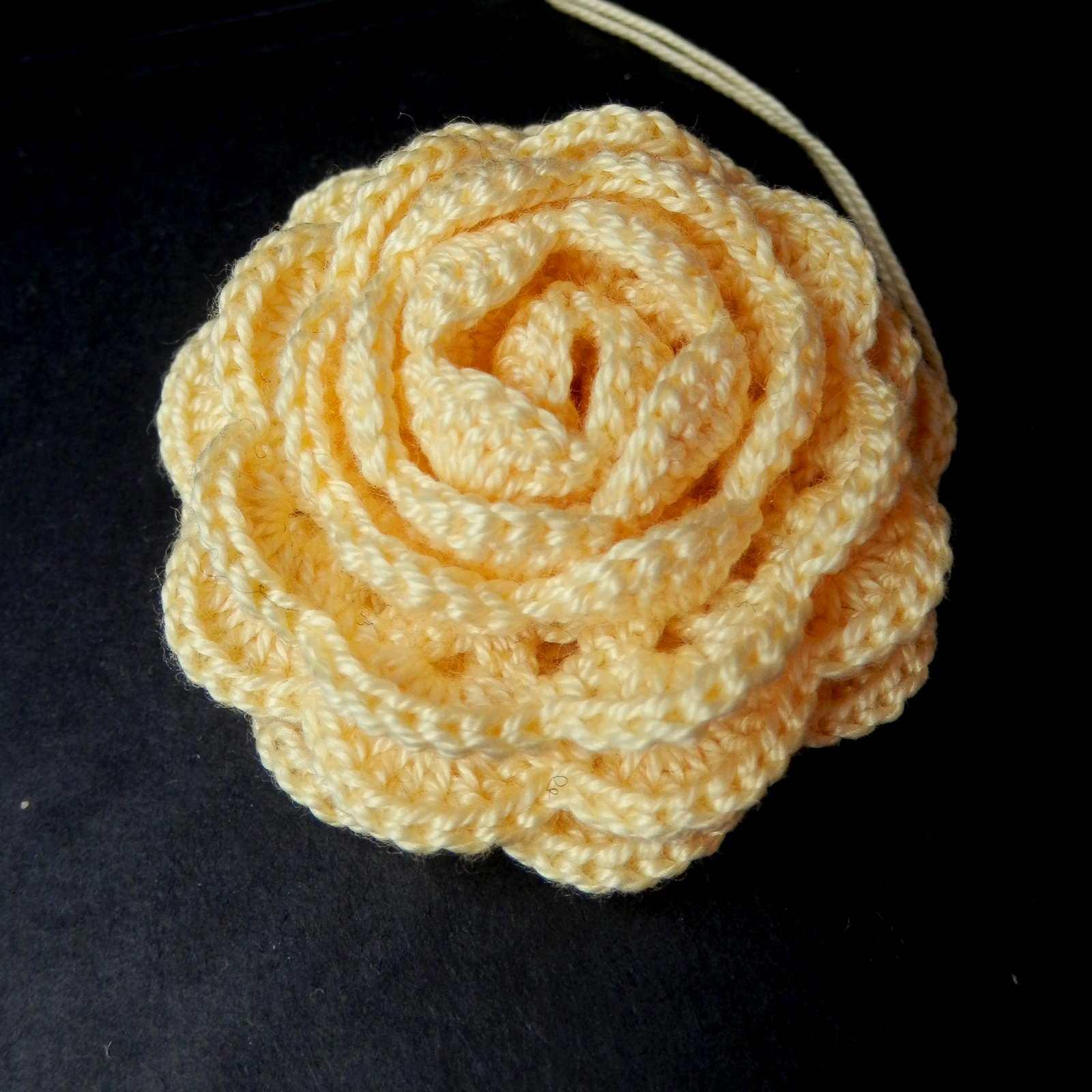 9 Crochet Patterns For Roses