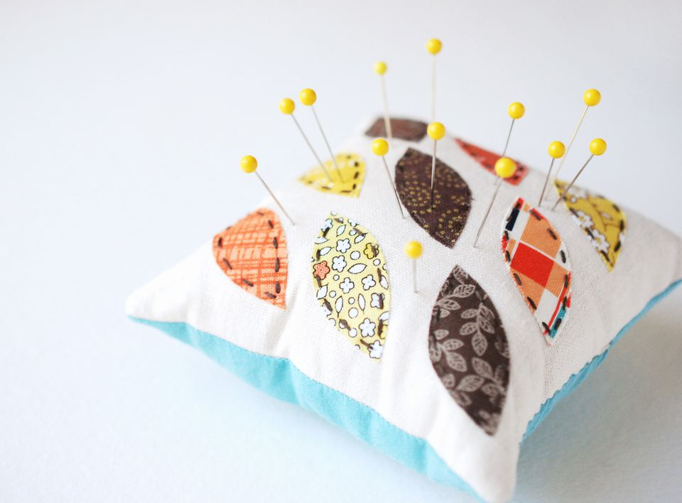 Easy Autumn Leaf Pincushion