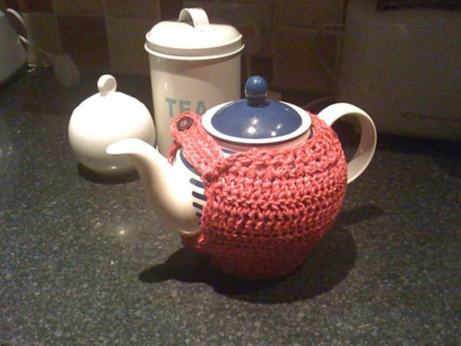 """""""Short and Stout"""" Tea Cozy Free Pattern"""